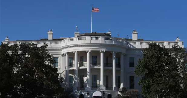 White House on Lockdown after Man Shoots Himself Dead in Front of It